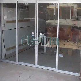 درب شیشه ای مغازه ریلی