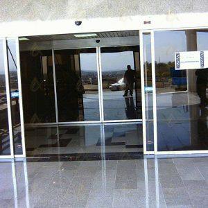 درب شیشه ای کشویی بیمارستان